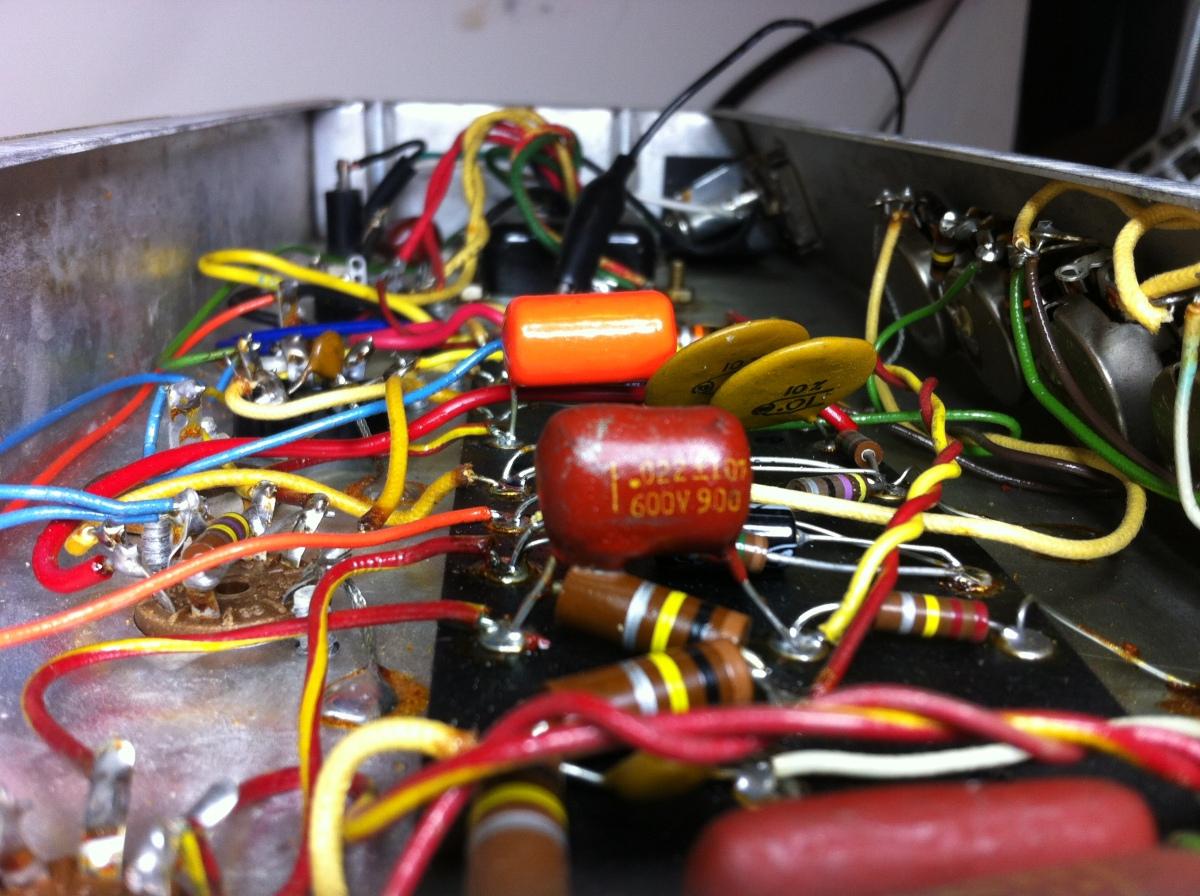 Fender Vibro Champ Amp AA764