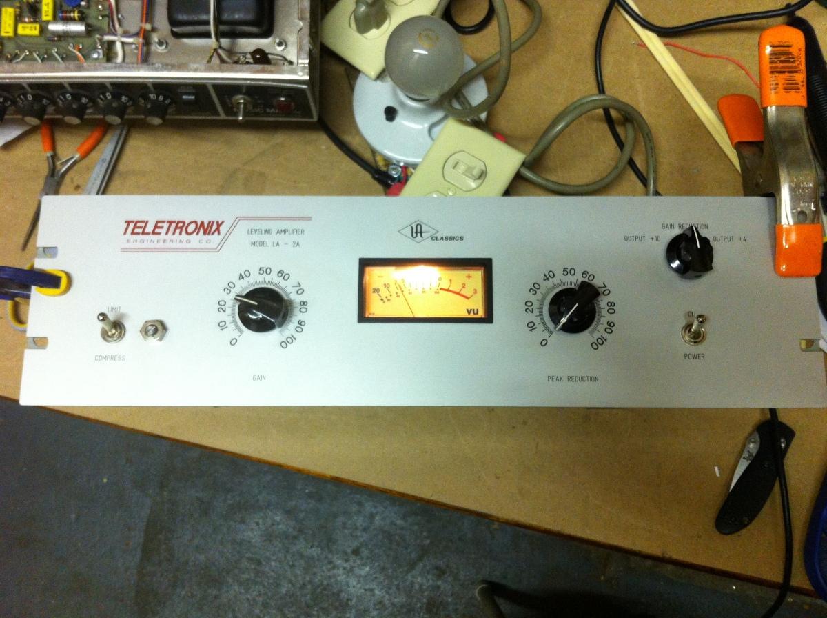 Teletronix LA2A Leveling Amplifier