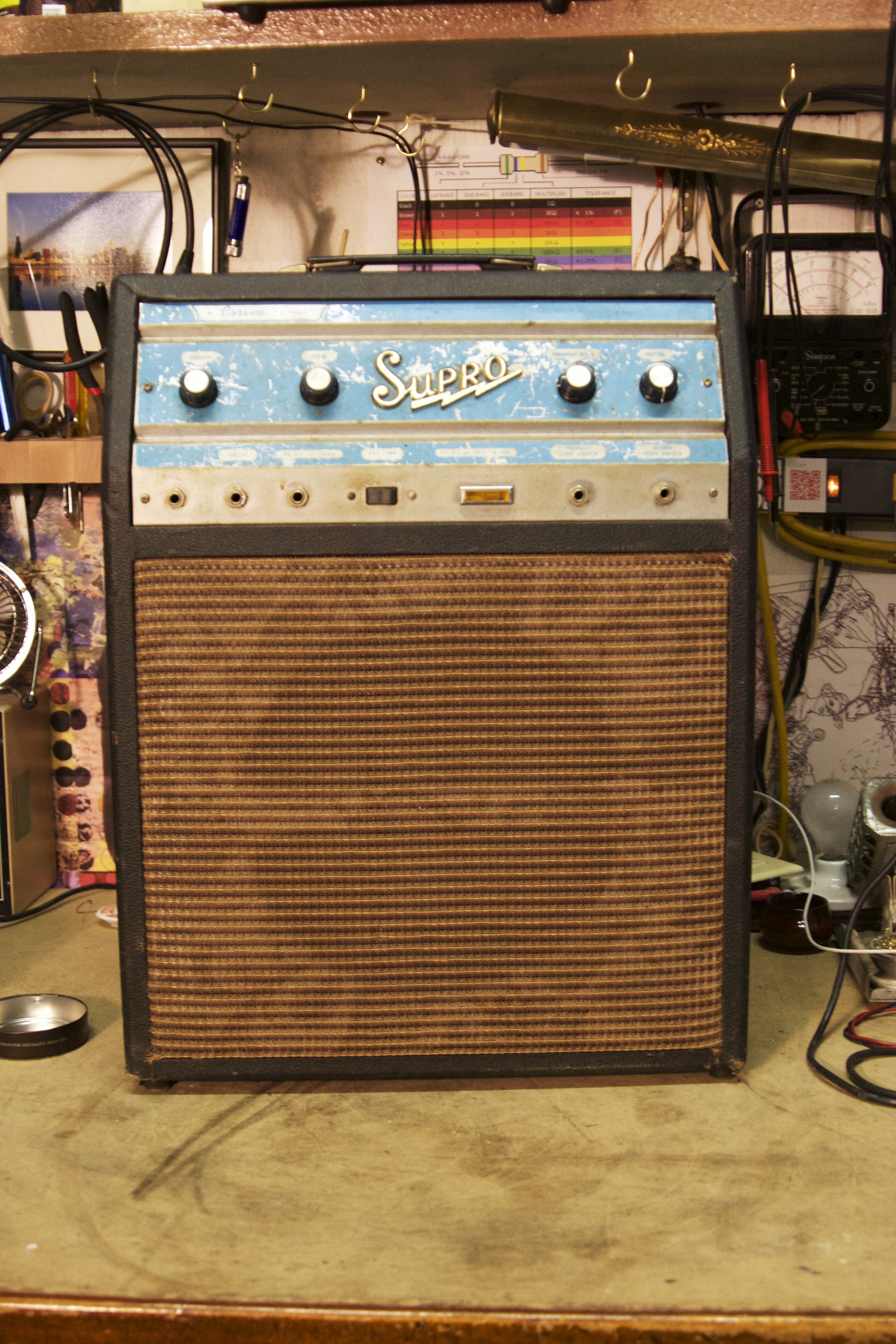 Supro Corsica S6622 Iration Audio Sears Silver Tone Guitar On Schematic Of Electric Tremolo Knobs The Right Are And Reverb Left Volume A Lot These Old Amps Need To Have Cathode Resistor For Power
